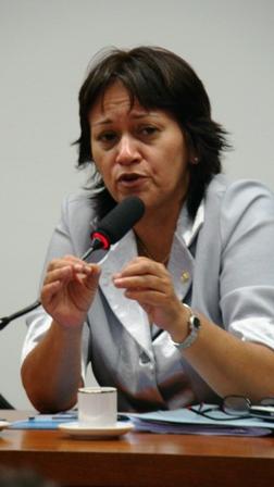 http://www.rodrigoloureiro.com.br/coluna/imagens/Fatima%20-%20Foto%20atualizada.JPG
