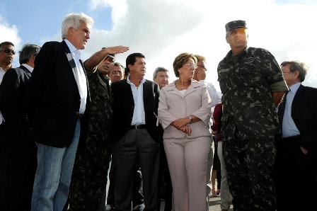 Governadora_Rosalba_e_Ministro_Alfredo_NAscimento_visitam_Br_101_-_Elisa_Elsie_2