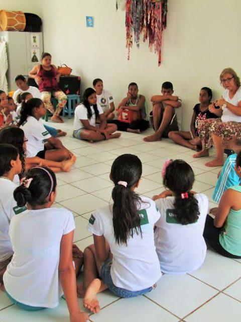 Projeto Encena faz apresentação na ONG Atitude Cooperação