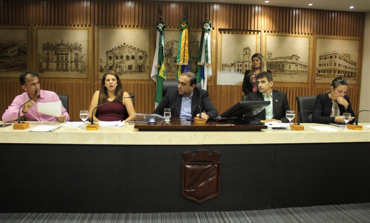 Resultado de imagem para Comissão de Justiça aprova ensino de libras nas escolas